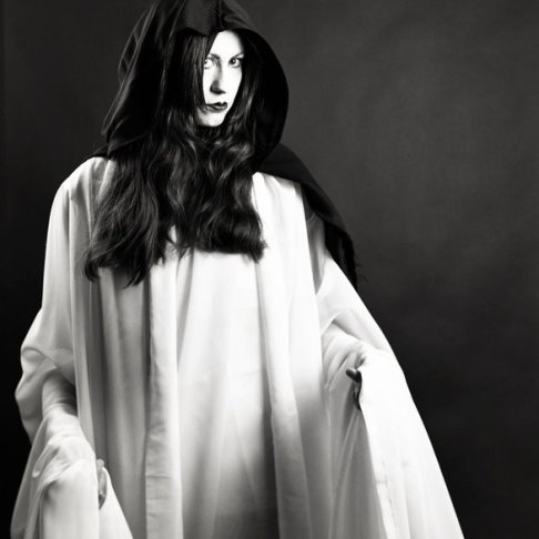The Banshee (Matt Ayotte Photography, black and white contrast project 2011) (Image of Celinka Serre)