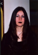 Gothic Queen (although I did dress like that once upon a time) (Halloween 2005) (Image of Celinka Serre)